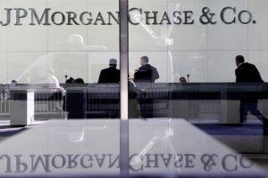 JPMorgan negocia pagar casi $1,000 millones por cerrar un caso de manipulación en mercados