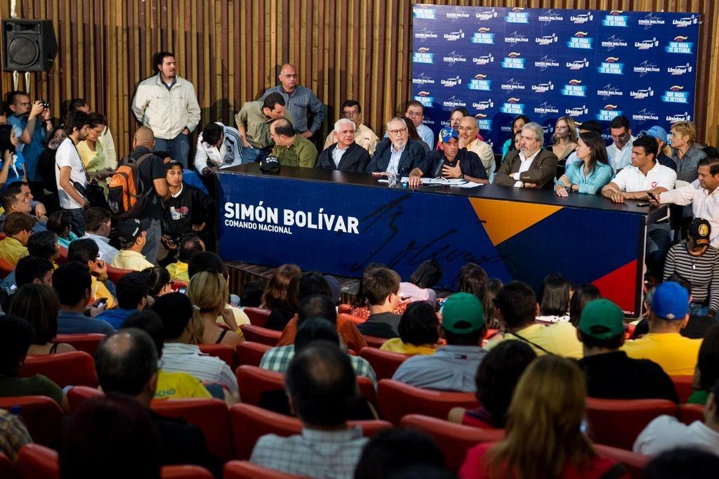 Capriles convoca a jornada de protestas contra Maduro