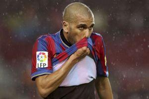 Alves causa baja en el Barcelona por lesión