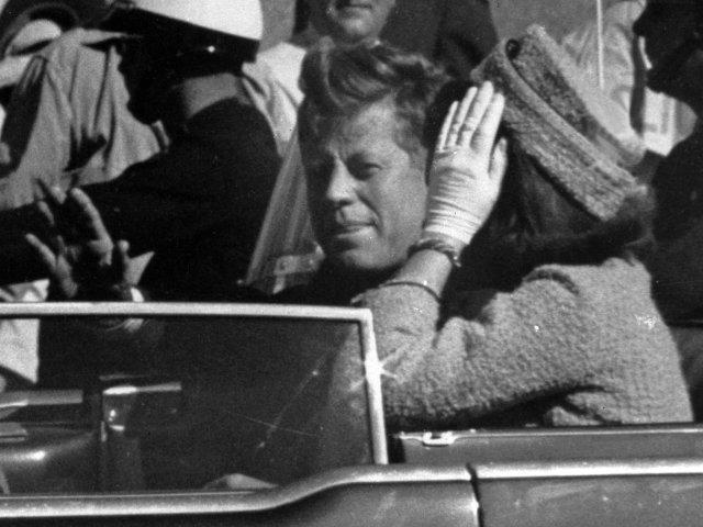 """El """"secreto"""" de la muerte de John F. Kennedy estaría en las manos de Trump"""
