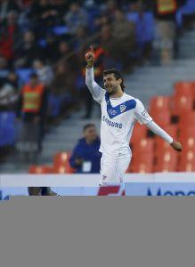 Vélez vence a Godoy Cruz y se ilusiona con el campeonato