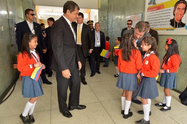 Santos agradece apoyo de Rafael Correa