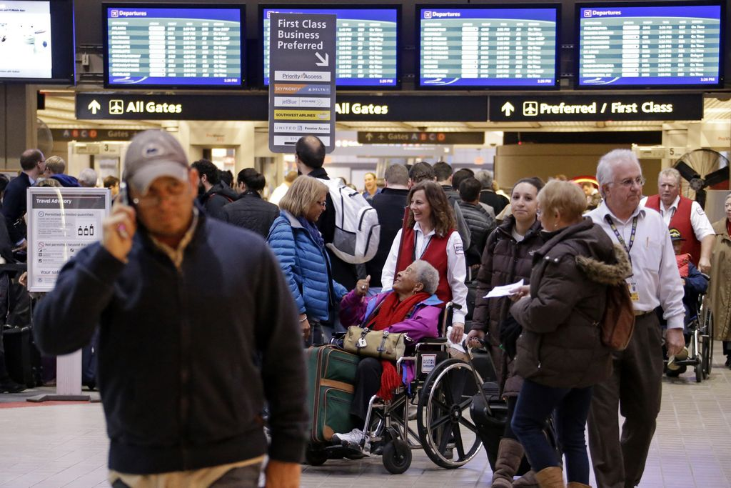 Por tormenta aerolíneas no cobrarán por cambiar vuelos