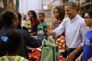 Obama agradece a soldados en misiones en Thanksgiving