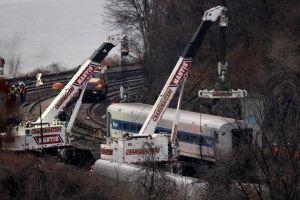 Confirman exceso de velocidad de tren descarrilado en Nueva York