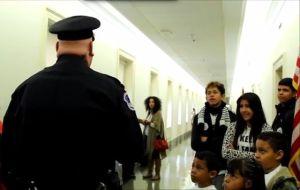 Policía del Capitolio investiga incidente con niños pro-reforma