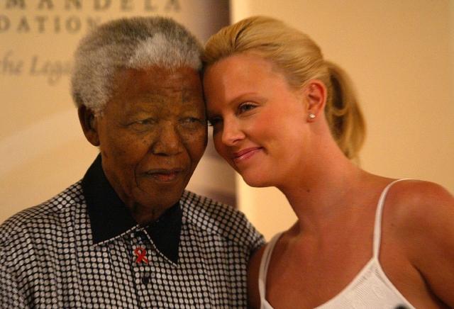 Famosos lloran a Mandela