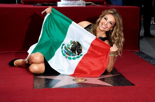 Thalía recibe estrella en Hollywood