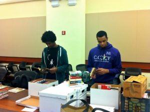Inicia colecta de libros para familias en Harlem