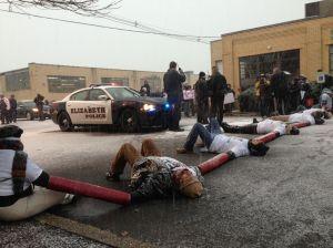 Arrestan a 8 activistas en centro de Inmigración en Nueva Jersey