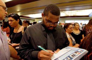 Millones en EEUU pasarán Año Nuevo sin ayuda de desempleo
