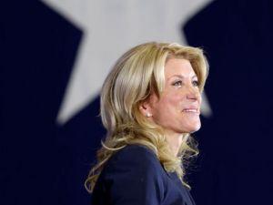 Wendy Davis inicia campaña para gobernadora de Texas