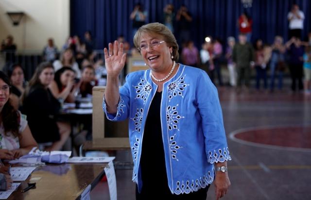 Bachelet regresa al Palacio de la Moneda