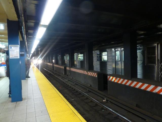 Proponen mejoras de seguridad en los trenes de NY