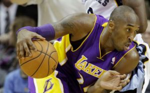 Bryant anota 21 y Lakers vencen a Grizzlies
