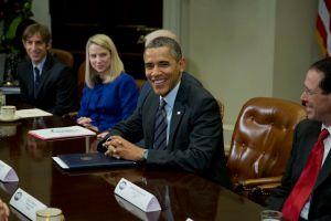 Obama recibe reclamos de Twitter, Facebook y Google
