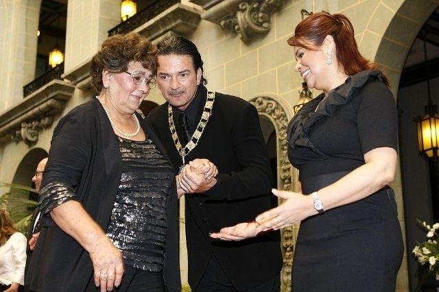 Arjona no volverá a cantar tema que dedicó a su madre