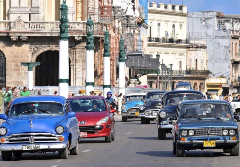 Gobierno cubano elimina restricción para la compra de automóviles