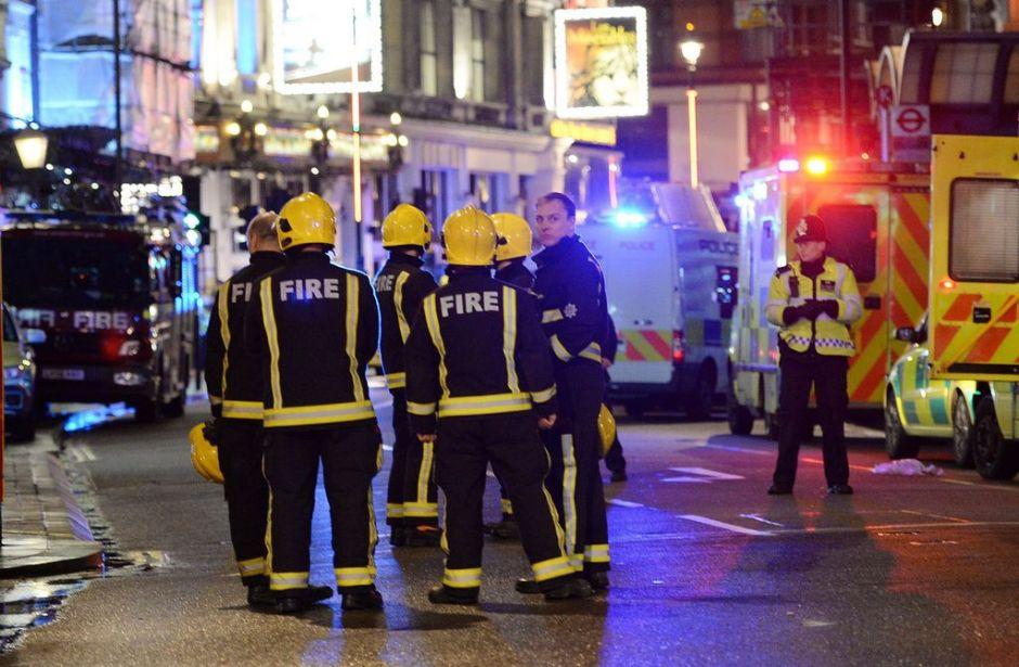 Siete heridos graves por colapso de teatro en Londres