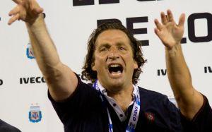 Valencia contrata a Ayala y espera a Juan Antonio Pizzi