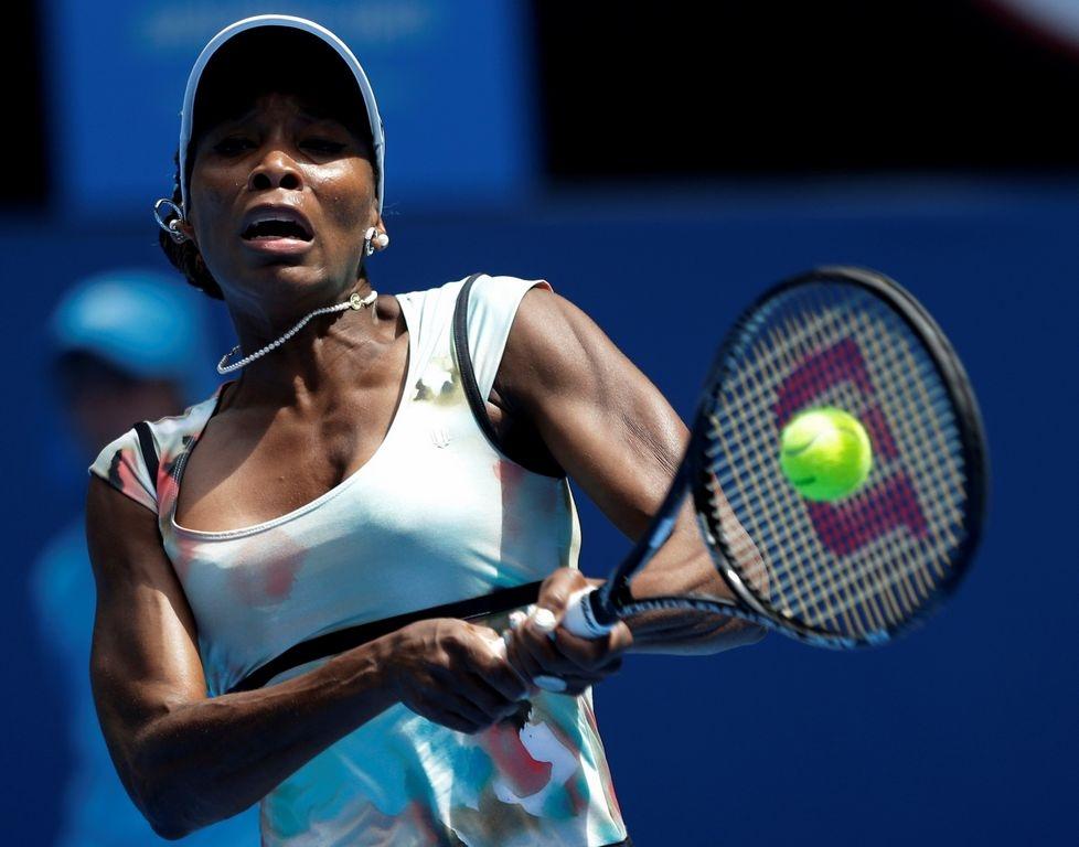 Venus Williams avanza a semifinales en Auckland