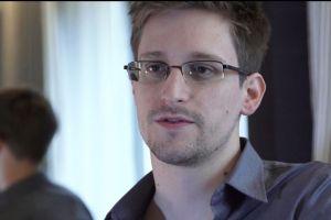Dos diarios piden clemencia para Edward Snowden