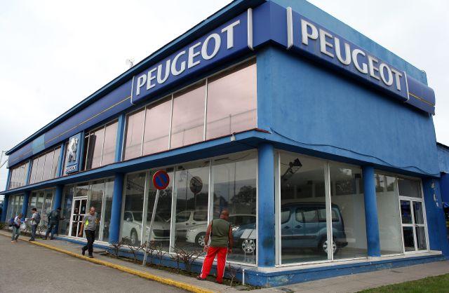 Inició venta minorista de autos en Cuba