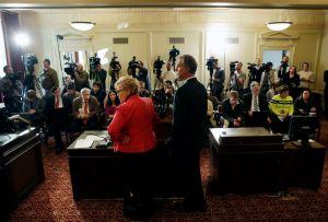 """Christie """"desconocía"""" escándalo de correos de colaboradores"""