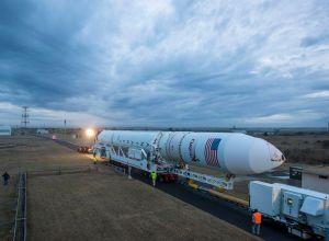 Tormenta solar posterga misión a Estación Espacial (fotos)
