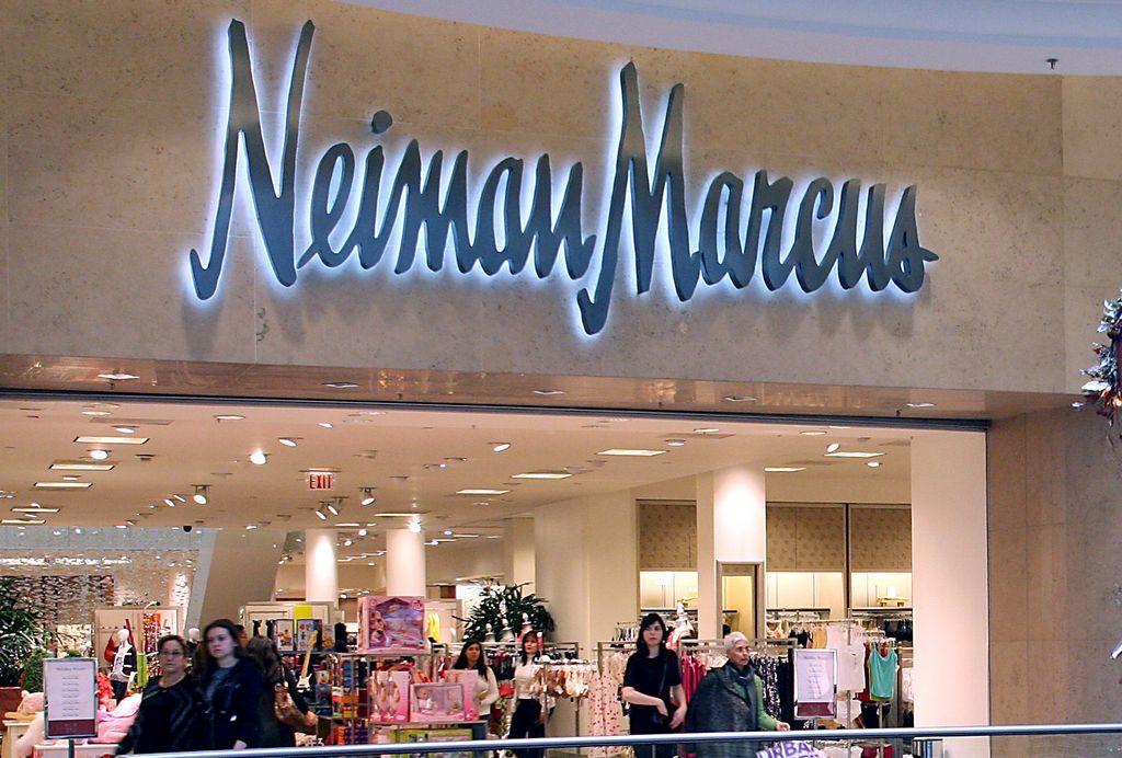 Clientes de Neiman Marcus son víctimas de ataque cibernético