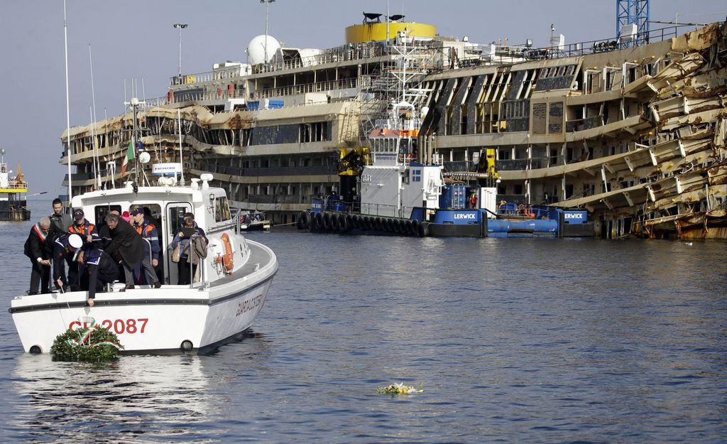 Italia recuerda hundimiento del crucero Costa Concordia