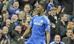 Triplete de Samuel Eto'o propicia triunfo de Chelsea