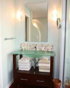 Stylish and spacious bathroom vanities