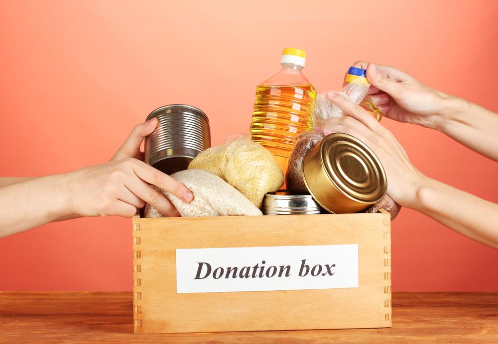 Grupos religiosos en NY recolectan comida para familias