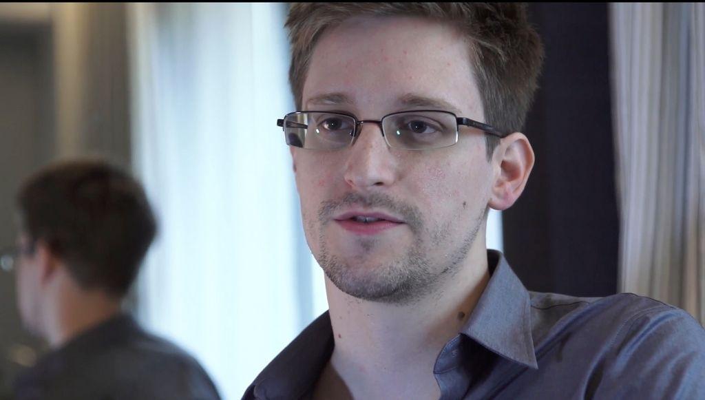 Ex analista Edward Snowden teme por su vida