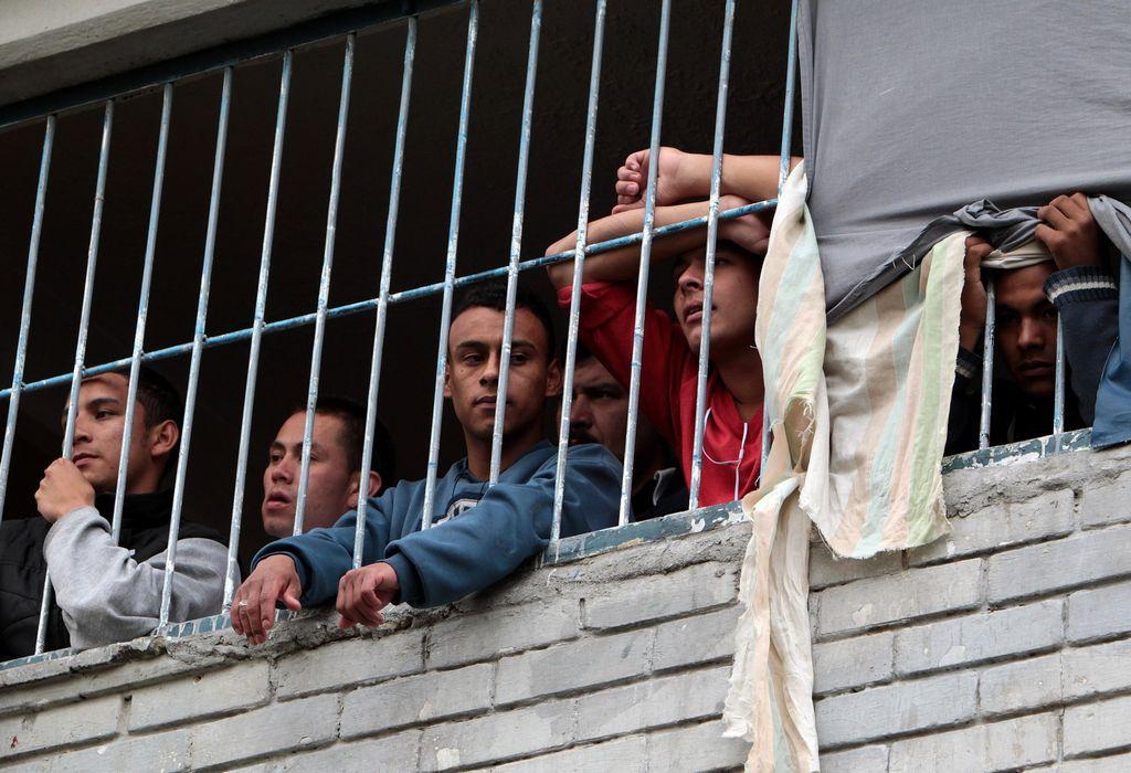 Incendio en cárcel colombiana deja al menos 10 muertos