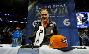 Compañeros de Manning también quieren su autógrafo