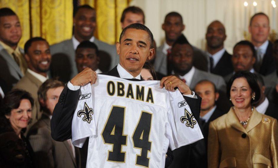 Obama declina predecir un ganador del Super Bowl