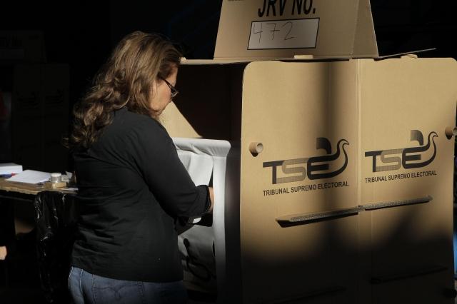 Masiva votación en El Salvador