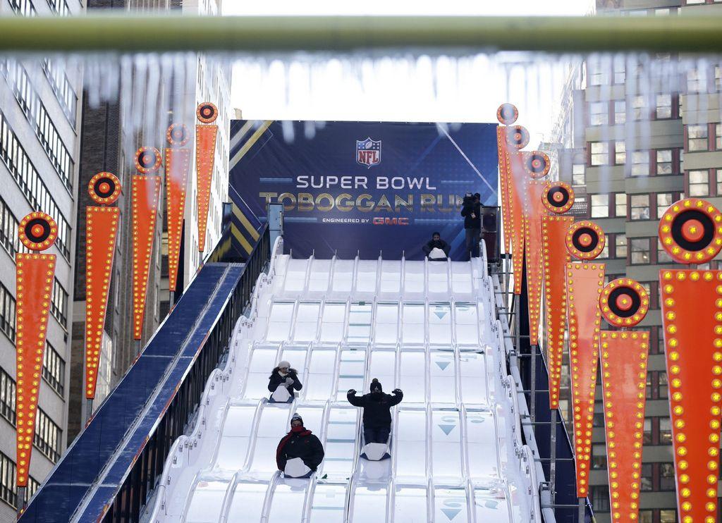 NYC desaparece todo lo del Super Bowl y enfrenta la nieve