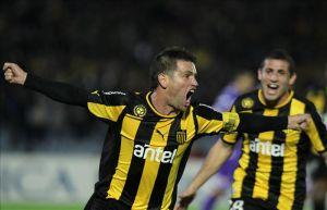 Peñarol adelanta partido local para encarar Copa Libertadores
