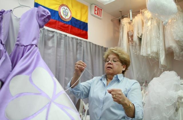 Colombiana en Queens hace magia con la ropa infantil