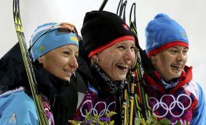 Eslovaca Kuzmina retiene oro en el sprint del biatlón de Sochi