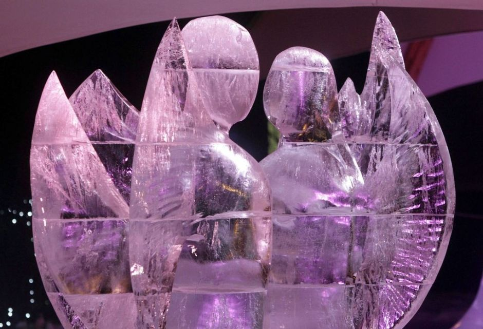 Noruegos ganan concurso de esculturas de hielo en Chicago
