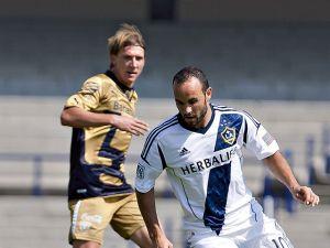 Pumas de la UNAM vence a LA Galaxy en amistoso