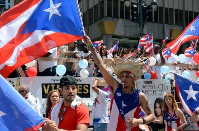 Expresidenta de desfile boricua en NYC lanza acusaciones