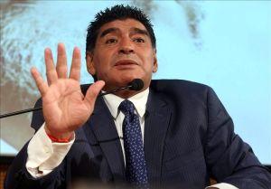 Maradona es perseguido por el fisco italiano por supuesta evasión millonaria