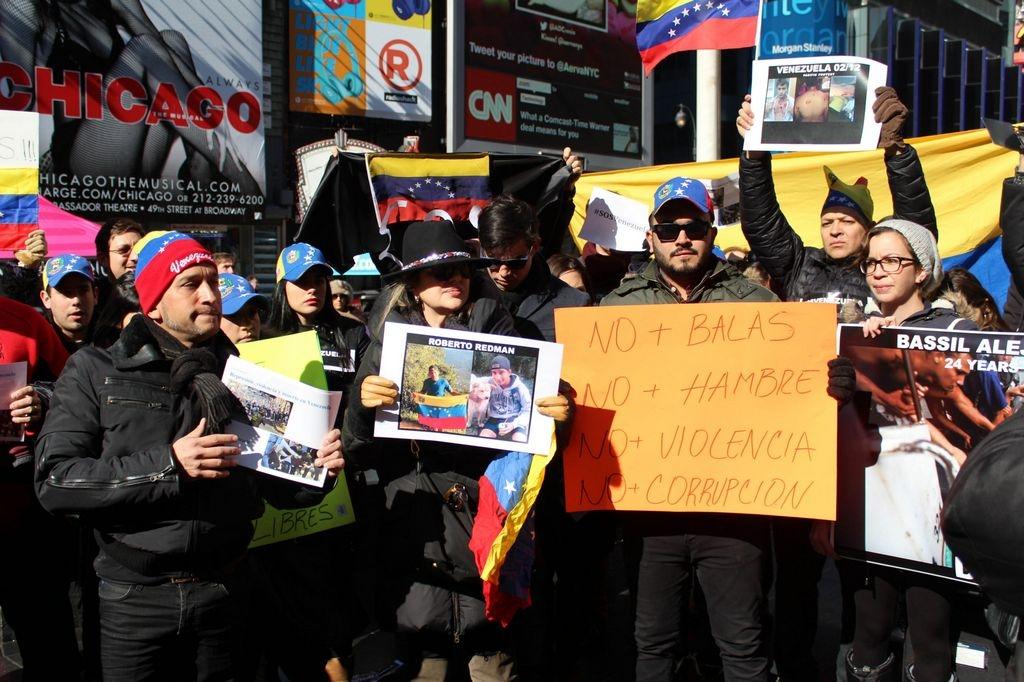 Venezolanos piden auxilio para su país en Times Square