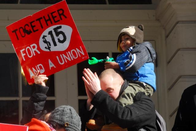 Piden alza del salario mínimo