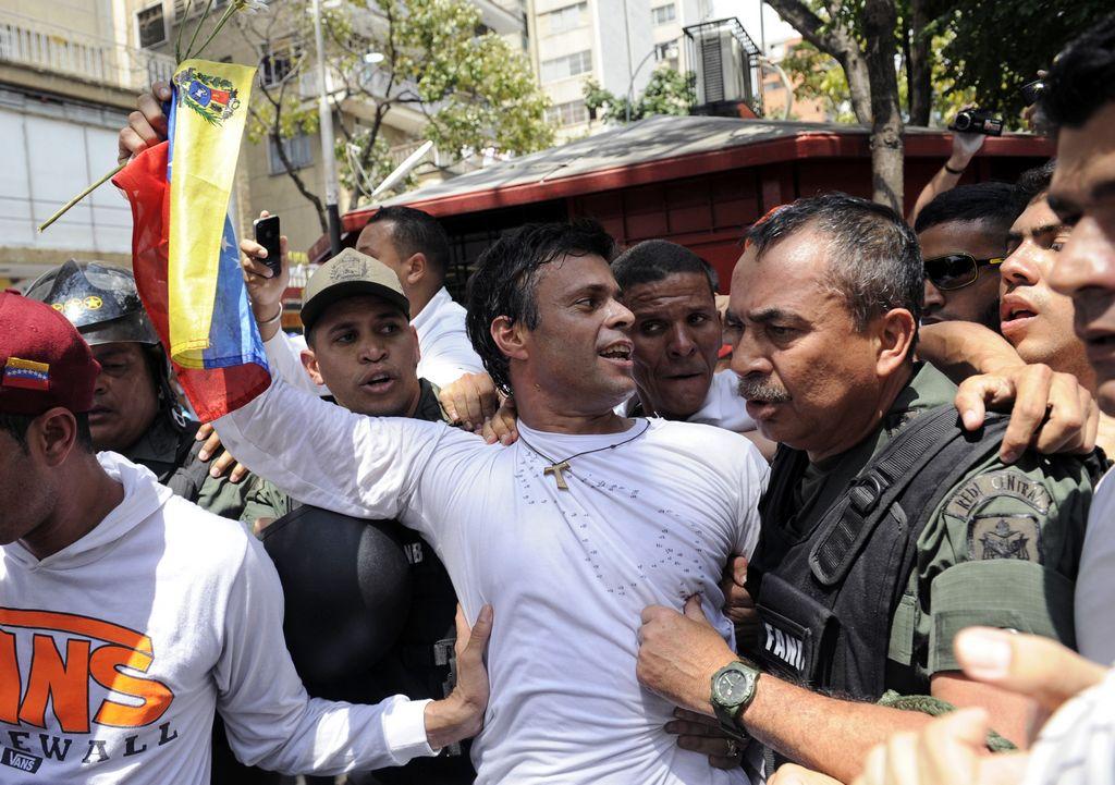 Piden 10 años de cárcel para Leopoldo López en Venezuela